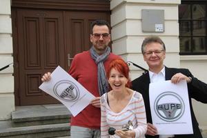 Vorfreude auf die HUPE: v.l. Aussteller Frank Uebel,Organistorin Kerstin Weinrich und Sven Fricke, Wirtschaftsförderer Barleben