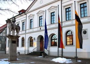 Trauerbeflaggung am Rathaus 27. Januar 2017
