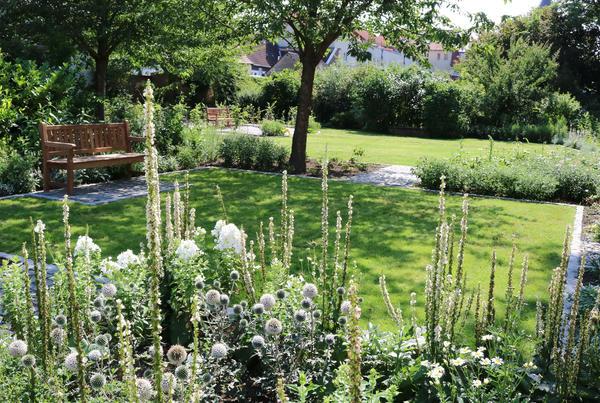 Ein Blick in den Weißen Garten am 21.07.2017