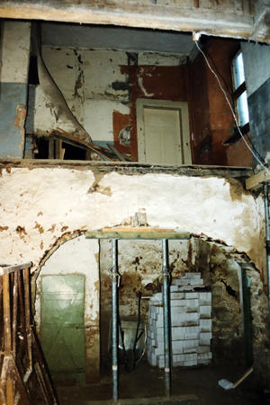 Die ehemalige Schwarze Küche vor der Sanierung im Januar 2000