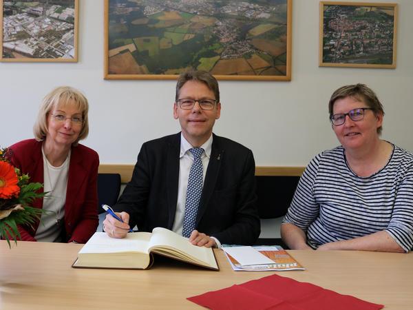 Sabine Wendler (li.), Alfred Schmidt und Doreen Scherff