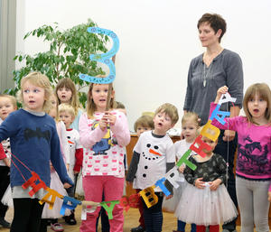 Die Kinder der Kita Flax und Krümel gratulierten zum 3. Geburtstag