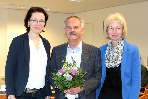 Sabine Wendler (re.) und Andrea Schulz wünschten Günter Graviat alles Gute.