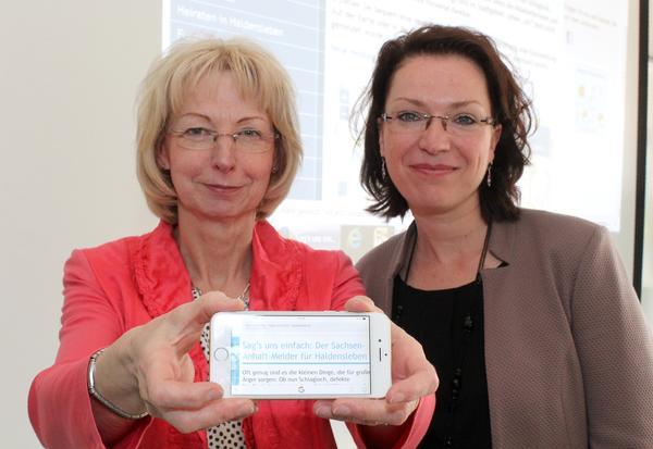 Sabine Wendler und Andrea Schulz stellten den Sachsen-Anhalt-Melder für Haldensleben vor