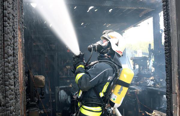 Schuppenbrand Bornsche Straße 97b _ 2