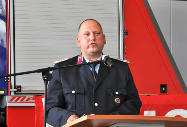 Wehrleiter Frank Juhl bei seiner Begrüßungsrede