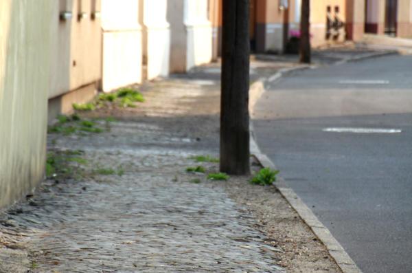 Der Gehweg an der Großen Straße: Geplant ist die Sanierung für 2019