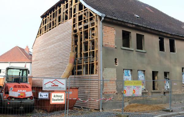 Das Haus an der Magdeburger Straße bekommt u.a. neue Fußböden und neue Decken