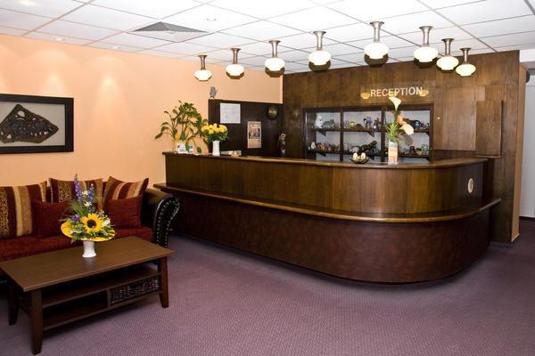 Rezeption des Hotels Roland